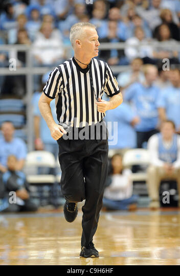 how to become a ncaa basketball referee