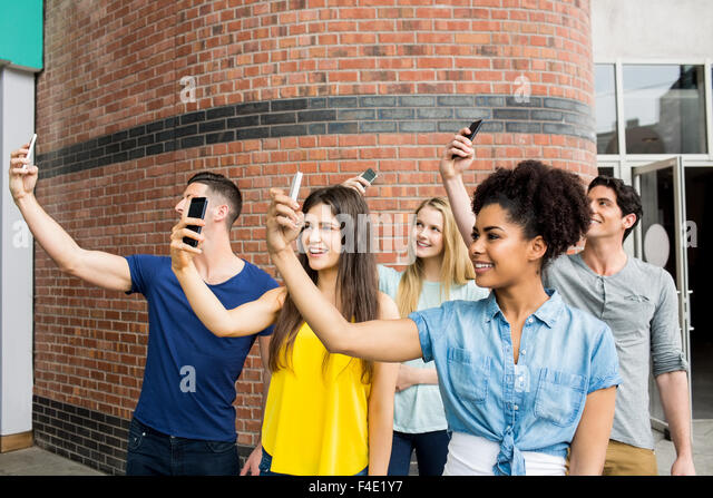New study suggests that taking selfies is bad for your ...