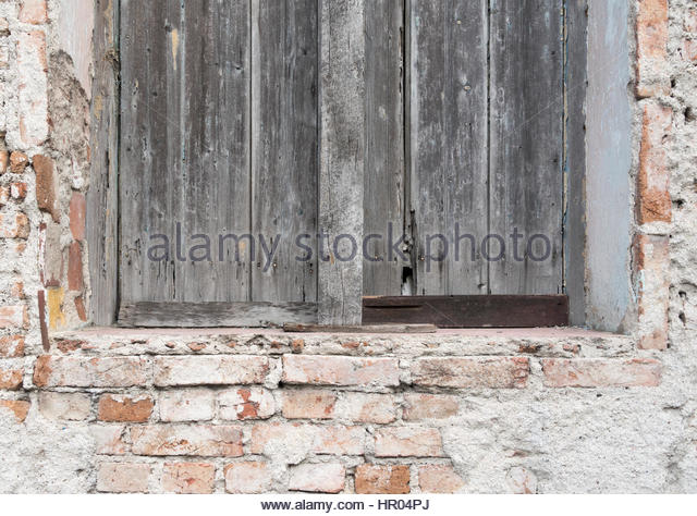 Colonial brick exterior stock photos colonial brick for Colonial brick