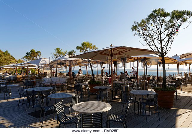 Pyla stock photos pyla stock images alamy - Restaurant starck arcachon ...