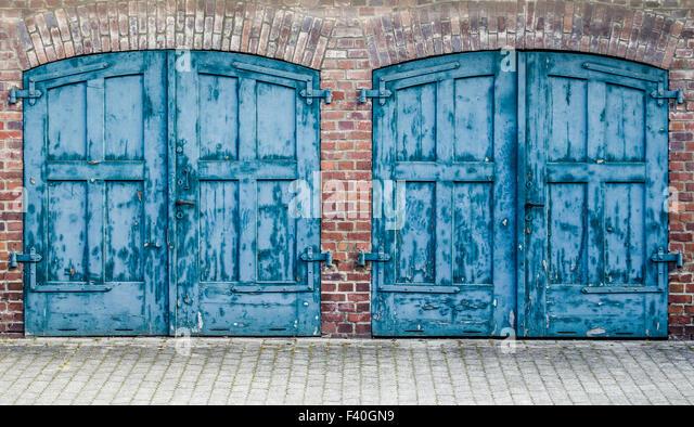 Heavy Wooden Doors Stock Photos & Heavy Wooden Doors Stock Images ...