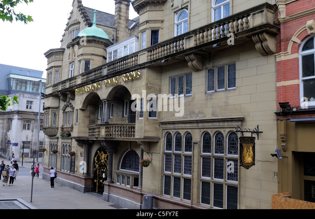 The Philharmonic Dining Rooms  the Philharmonic Pub   in Liverpool  England  Made Famous. Liverpool Philharmonic Dining Rooms Stock Photos   Liverpool