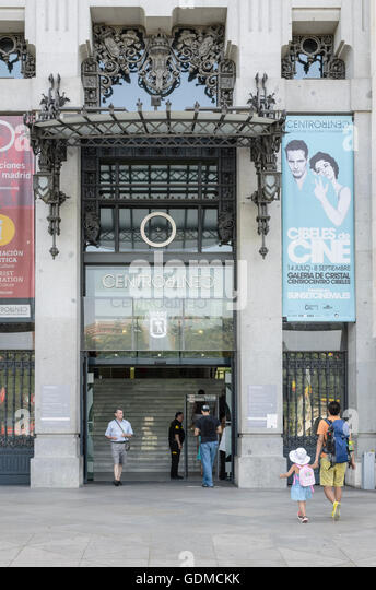 Spanish refugees stock photos spanish refugees stock for Gallery mall madrid