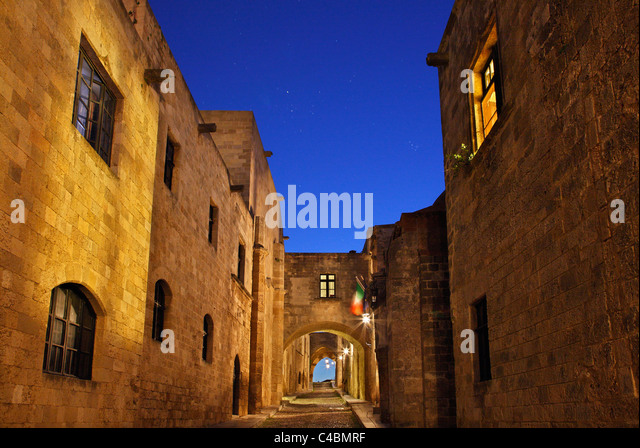 Cobblestone Roads Stock Photos & Cobblestone Roads Stock ...