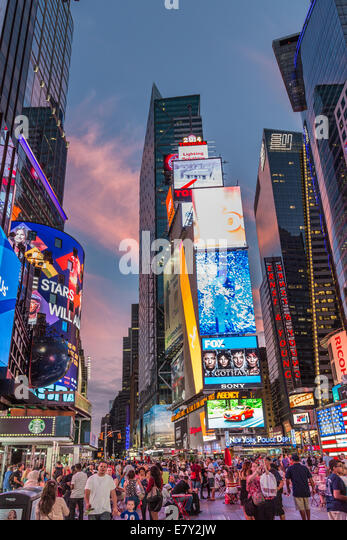 New York   Sept 2014: The Glamorous Streets Of Times Square New York With  Thousands