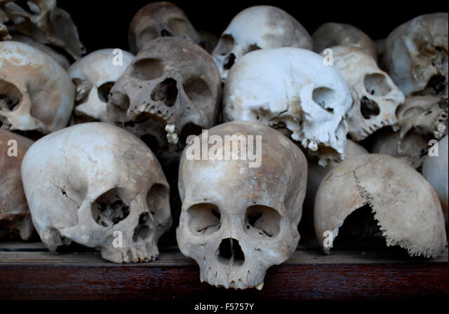 Human Skulls Bones Pile Stock Photos & Human Skulls Bones ...