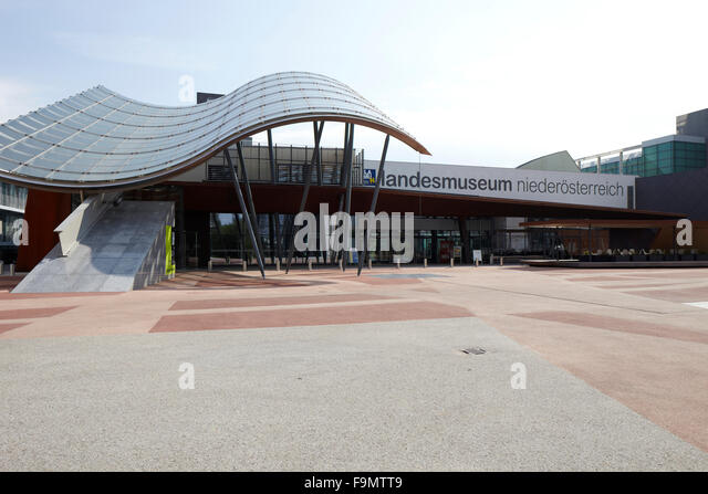 Staatsmuseum St. Poelten Lower Austria. Curved canopy outside the State Museum St & Curved Canopy Stock Photos u0026 Curved Canopy Stock Images - Alamy