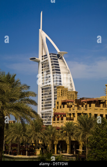 Sail shaped stock photos sail shaped stock images alamy for D shaped hotel in dubai