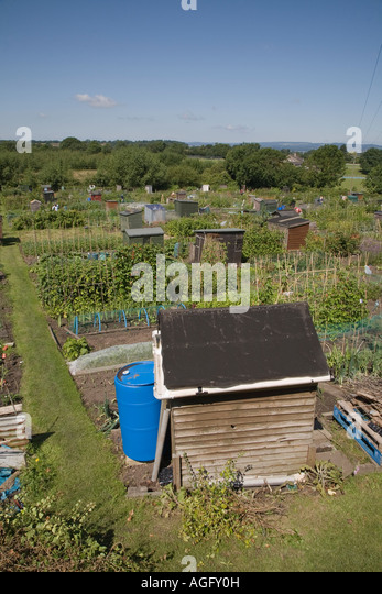 Garden Sheds Gloucester garden sheds stock photos & garden sheds stock images - alamy