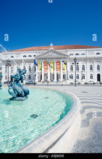 Fountain Outside Opera House Stock Photos Fountain Outside Opera House Stock Images Alamy