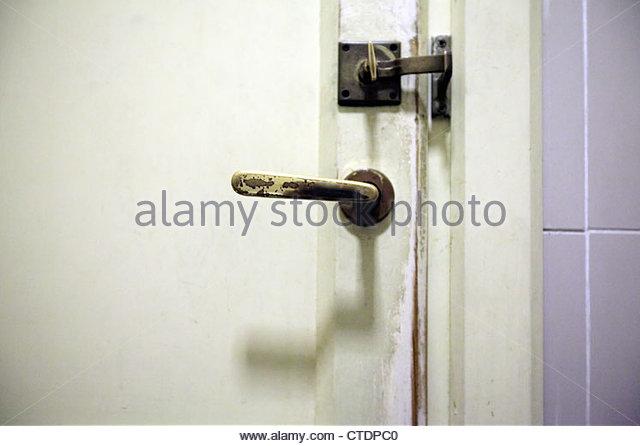Old Style Toilet Door Lock And Handle   Stock Image
