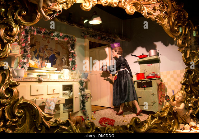 Fortnum and mason christmas stock photos fortnum and - Fortnum and mason christmas decorations ...