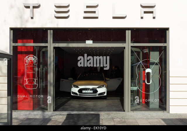 Tesla Showroom Electric Stock Photos Tesla Showroom