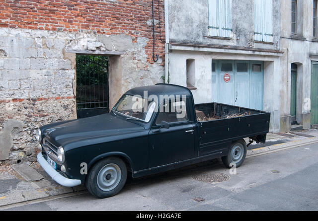 Bien connu Peugeot 403 Stock Photos & Peugeot 403 Stock Images - Alamy UG48