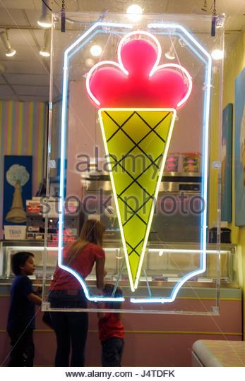 Ice Cream Shop Neon Sign Stock Photos Amp Ice Cream Shop