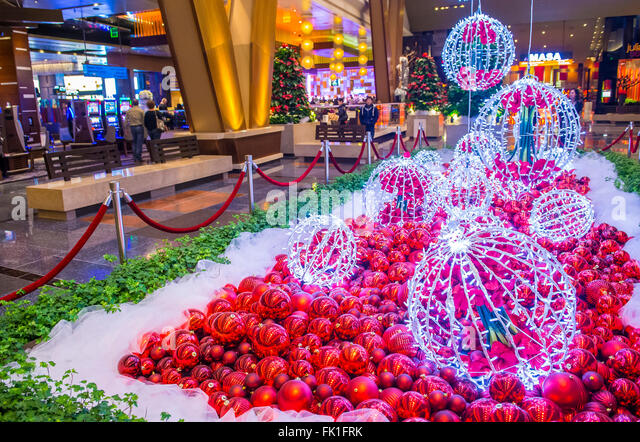 Aria las vegas hotel stock photos aria las vegas hotel for When does las vegas decorate for christmas