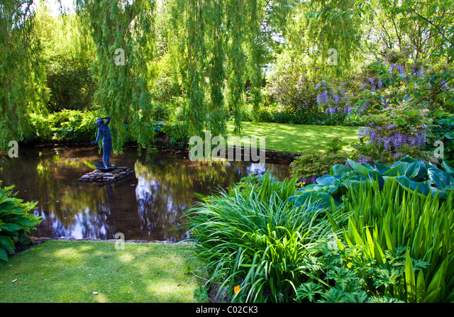 Garden Pond And Water Feature Stock Photos Garden Pond