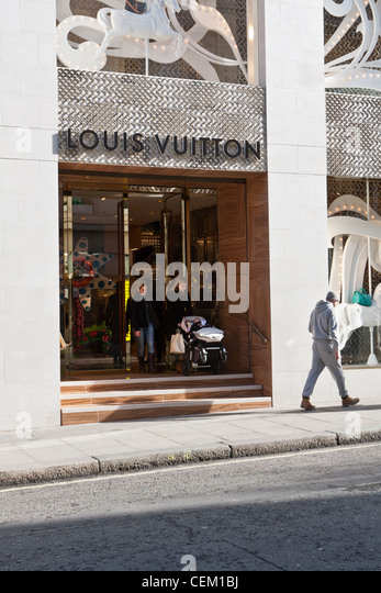 louis vuitton shop stock photos louis vuitton shop stock images alamy. Black Bedroom Furniture Sets. Home Design Ideas
