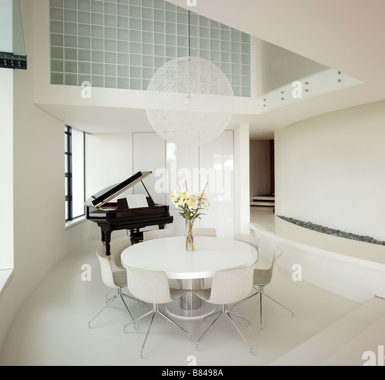 Piano unusual stock photos piano unusual stock images - Emmaus aix en provence ...