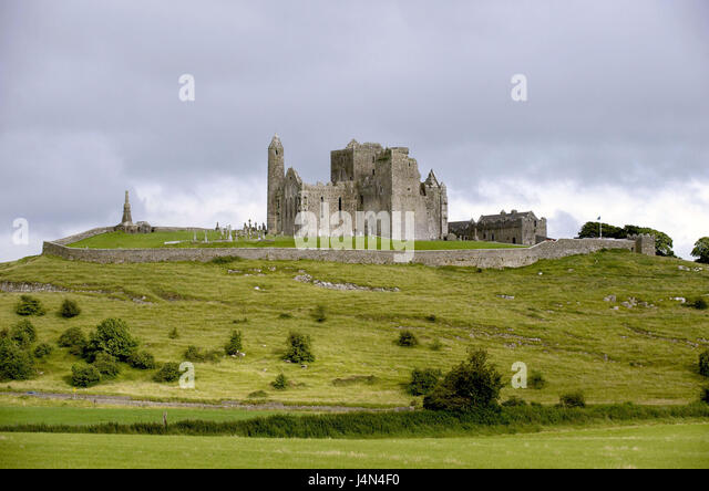 Ireland, Munster, county Tipperary, Cashel, rock of Cashel, - Stock Image