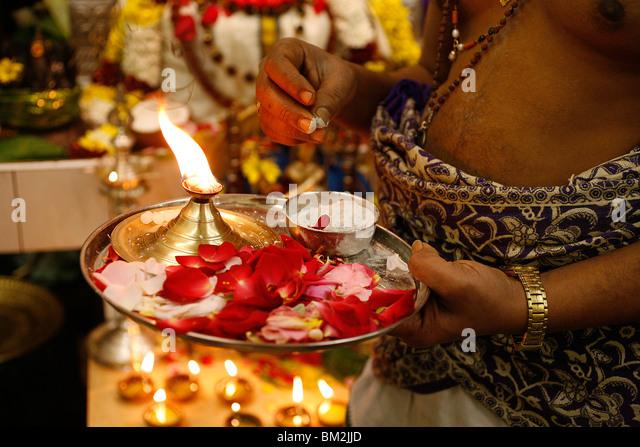 Hinduism Puja Tray Hindu Stock Photos & Hinduism Puja Tray Hindu ...