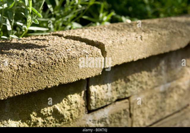 Cracked Wall Subsidence Stock Photos Amp Cracked Wall