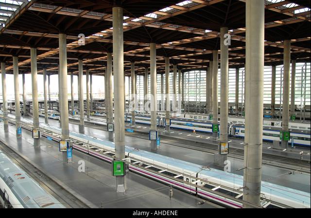 Talgo train stock photos talgo train stock images alamy - Puerta de atocha ave ...