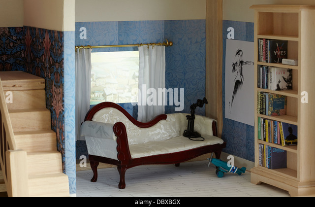 Dolls House Miniature Stock Photos & Dolls House Miniature Stock ...