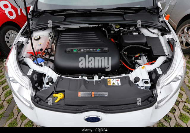 Electric engine of the Ford Focus ELECTRIC car - Stock Image & Electric Car Battery Stock Photos u0026 Electric Car Battery Stock ... markmcfarlin.com
