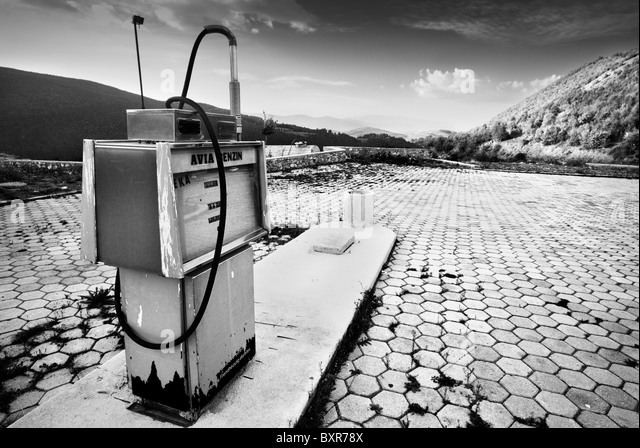 Abandoned Gas Pump Station Stock Photos Amp Abandoned Gas