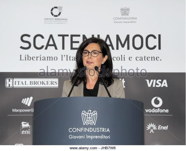 Discorso Camera Boldrini : Boldrini omaggia mattarella il discorso tenuto al comune live
