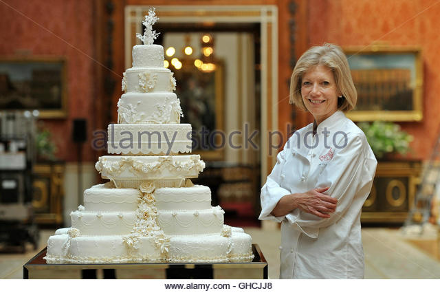 wedding cake makers dumfries and galloway cairns stock photos amp cairns stock images alamy 23135