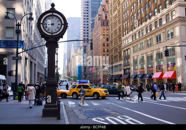 ... guard of trump tower 5th avenue donald trump manhattan new york