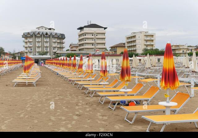 Cervia beach stock photos cervia beach stock images alamy - Bagno palm beach pinarella ...