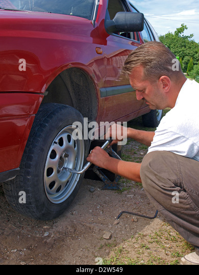 how to change a car wheel