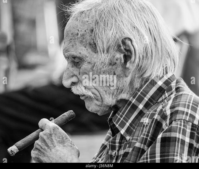 Smoking Cigar Black And White Stock Photos Amp Images Alamy