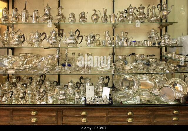 Du mobilier stock photos du mobilier stock images alamy for Boutique decoration paris