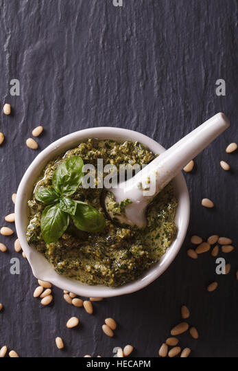 how to make basil pesto in a mortar and pestle