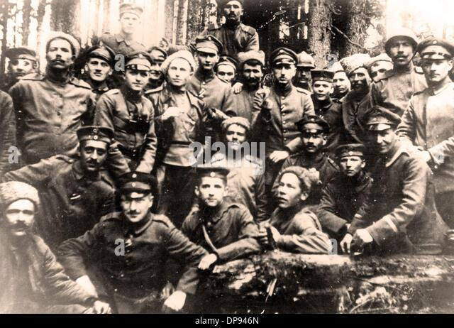 Armistice of brest litovsk stock photos armistice of brest litovsk view of german and russian soldiers after the ceasefire agreement of the eastern front was signed platinumwayz
