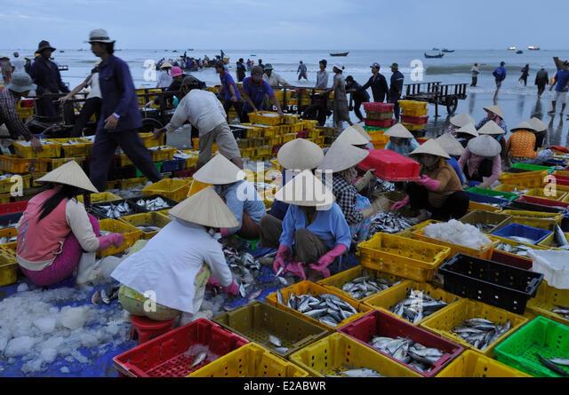 Ba ria stock photos ba ria stock images alamy for Long beach fish market