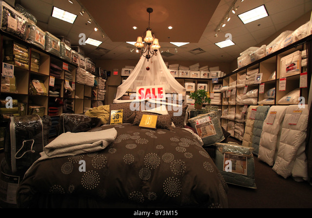 Quilts store stock photos quilts store stock images alamy for Berlin antique mall dealer reports