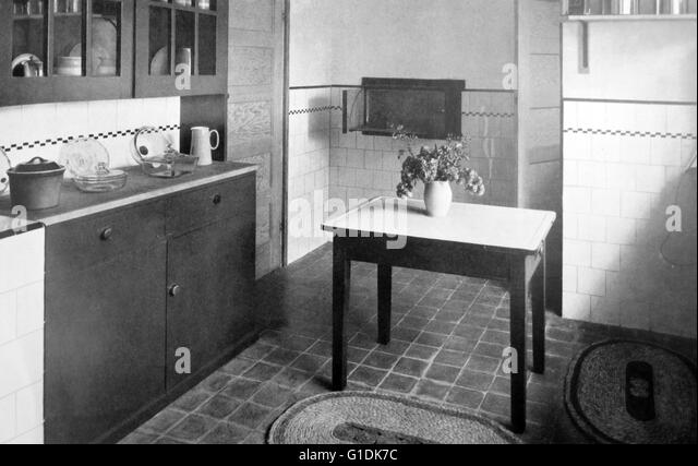 1960s kitchen stock photos & 1960s kitchen stock images - alamy