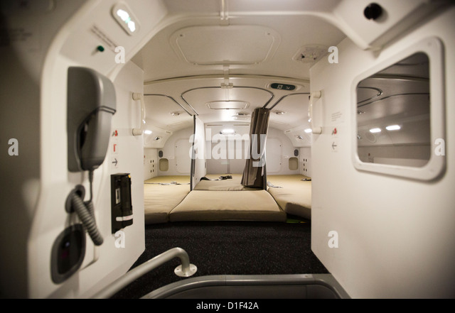 Boeing 787 dreamliner interior stock photos boeing 787 for Interior 787 dreamliner