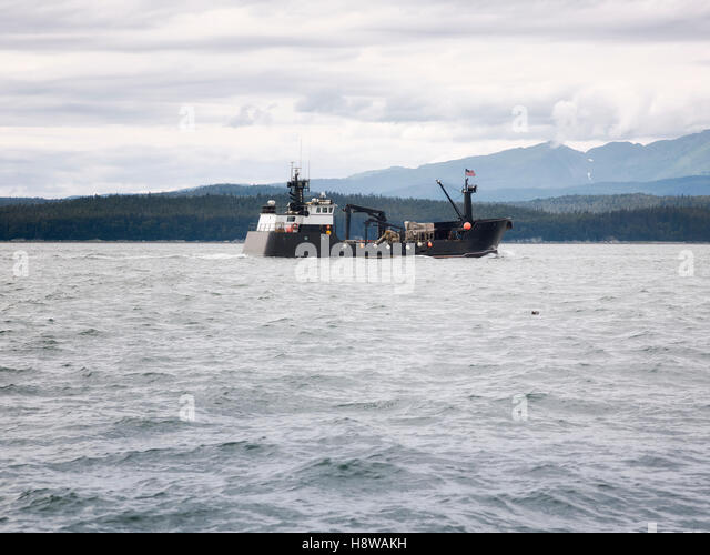 Bering sea crab fishing stock photos bering sea crab for Bering sea fishing