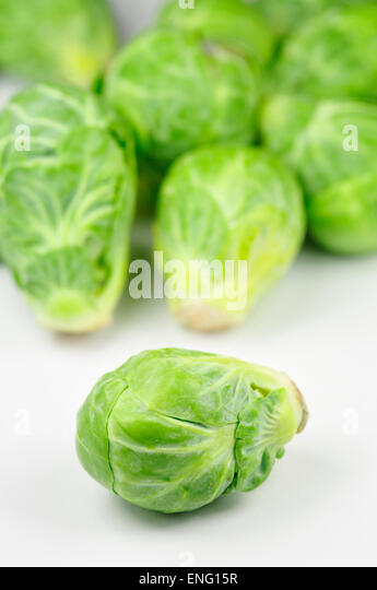 how to cut brussel sprouts