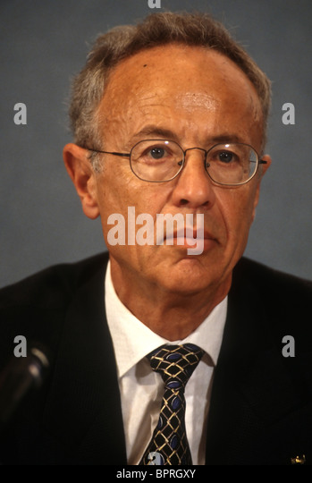 andrew grove and intel Last week andrew grove, the legendary former ceo and chairman of intel (intc), died the first hire at intel, grove is credited with turning the company into silicon valley's top chipmaker.