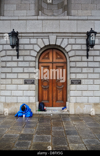 """economic recession in irish Data shows economy is officially in recession """"it is clear that the irish economy is heading for difficult times and the realities of ireland's economic."""