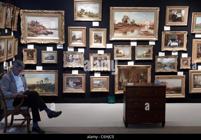Art dealer jugg dealer
