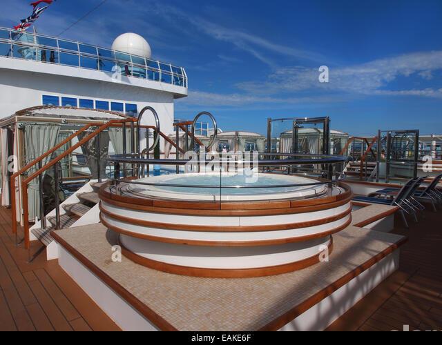 Cruise Ship Hot Tub Stock Photos Amp Cruise Ship Hot Tub