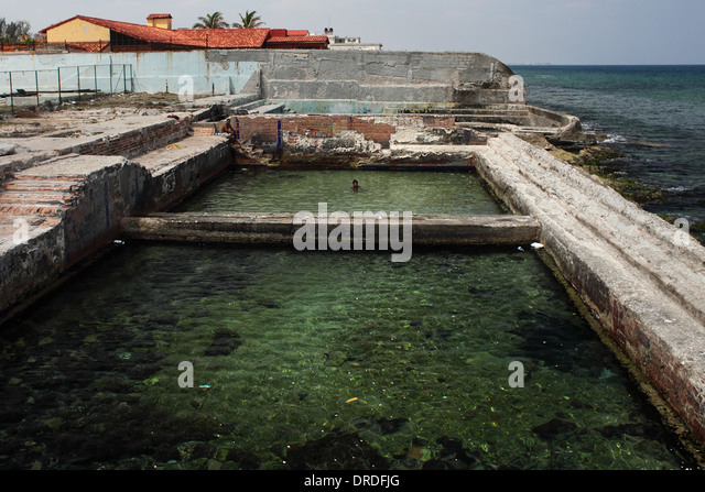 Old swimming pool in havana stock photos old swimming for What to do with old swimming pool